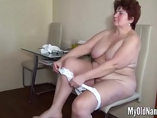 Fat old slut gets eaten in a threesome
