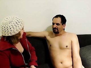 mi  marido  se coje  a mi hermana a escondidas , para darle  la plata  del taxi