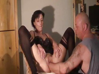 Amateur wife enjoys a huge fisting orgasm