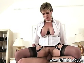 Cock bouncing Lady Sonia cumshot