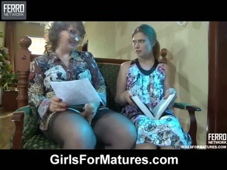 Flo&Alana mature in lesbian action