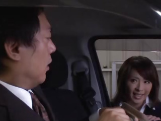 Mature gives warm oral in the car
